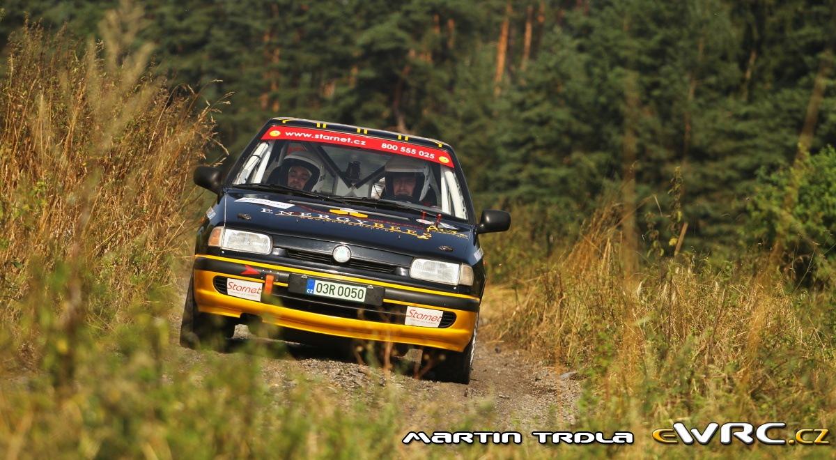 Snímek sledovaného vozu v průběhu Rally Agropa 2013